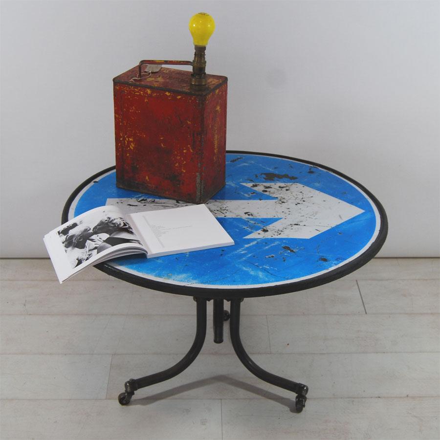 Tilt Originals - Arrow Table