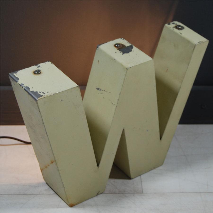 2-Tilt-Originals-Cream-Backlit-W-Letter-Lighting