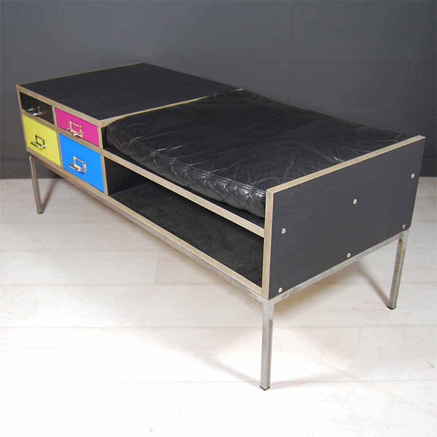 Tilt Originals-CMYK telephone seat