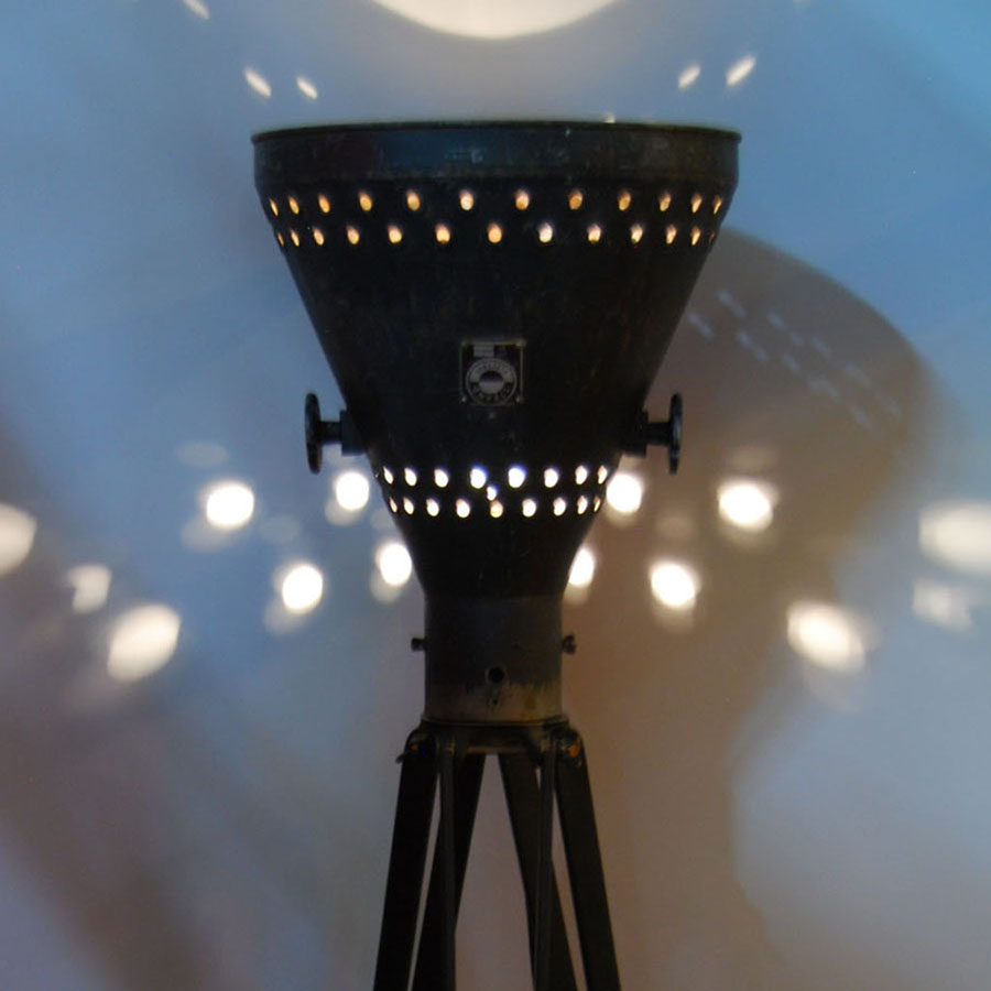 Tilt Originals - Vintage theatre lamp