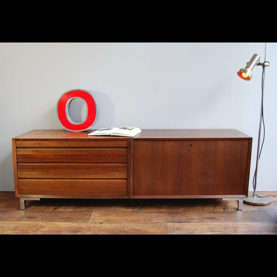 Tilt Originals - Arne Voder teak sideboard