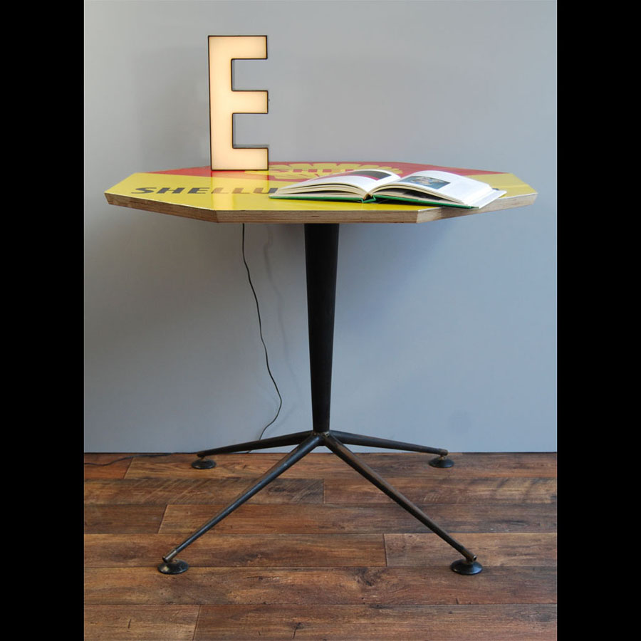 Tilt Originals - 1960s Shell sign table